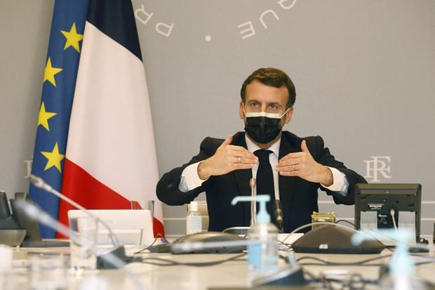 Tổng thống Pháp thông báo đóng cửa trường học, gia hạn phong tỏa Paris