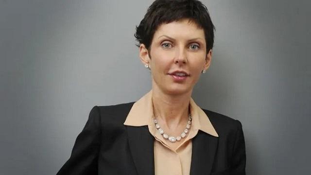 Nữ tỷ phú giàu nhất Anh nhận lương hơn 580 triệu USD
