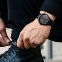 <p> <strong>7. Chi phí bảo dưỡng</strong>: Đồng hồ là cỗ máy yêu cầu bảo dưỡng thường xuyên dưới hình thức kiểm tra và đánh bóng. Trước khi mua, bạn nên hỏi người bán tần suất, chi phí bảo dưỡng đồng hồ là bao nhiêu. Thông tin này giúp bạn xác định được khoản đầu tư của mình và tìm kiếm được sản phẩm hợp lý. Ảnh: <em>buy supra d.</em></p>