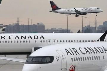Vụ sáp nhập hai 'ông lớn' trong ngành hàng không Canada đổ bể