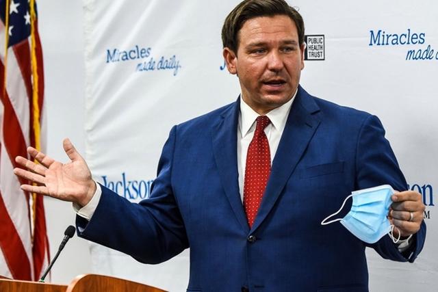 Thống đốc Ron DeSantis đã ban bố tình trạng khẩn cấp ở Florida. Ảnh: NBC.