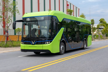 Chính phủ đồng ý để TP HCM tự quyết thí điểm xe buýt điện của Vingroup