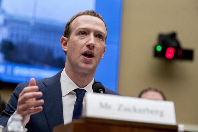 Mark Zuckerberg cũng bị lộ thông tin cá nhân
