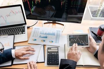 Nhận định thị trường ngày 7/4: 'Giằng co với sự phân hóa mạnh'