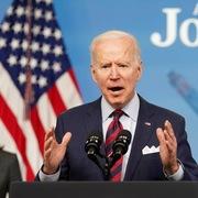 Biden nói gói 2.000 tỷ USD là cần thiết để bắt kịp Trung Quốc