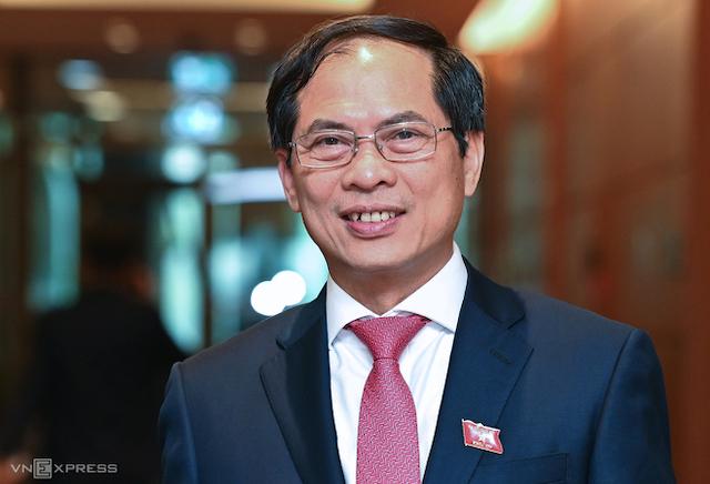 Ông Bùi Thanh Sơn giữ chức Bộ trưởng Ngoại giao.