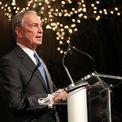 """<p class=""""Normal""""> <strong>10.<span> </span>Truyền thông và Giải trí</strong></p> <p class=""""Normal""""> Số lượng tỷ phú: 95, chiếm 3%</p> <p class=""""Normal""""> Người giàu nhất: Michael Bloomberg (59 tỷ USD), đồng sáng lập công ty truyền thông và thông tin tài chính Bloomberg LP. (Ảnh: <em>Getty Images</em>)</p>"""
