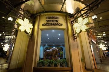 Cổ phiếu chuyển sàn, niêm yết mới HoSE tạm thời giao dịch trên HNX