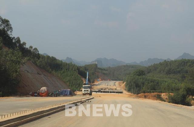 Xử lý vướng mắc về mặt bằng cho dự án hạ tầng giao thông trọng điểm