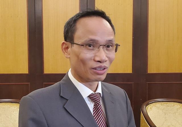 Chuyên gia Tài chính Cấn Văn Lực. Ảnh: Lê Hải.
