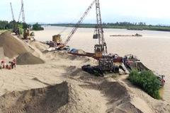 Một mỏ cát được đấu giá quyền khai thác từ 7,2 tỷ lên gần 2.812 tỷ đồng
