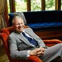 """<p class=""""Normal""""> <strong>3. Thomas Peterffy: 25 tỷ USD</strong></p> <p class=""""Normal""""> Quốc gia: Mỹ</p> <p class=""""Normal""""> Là người tiên phong trong giao dịch kỹ thuật số, Thomas Peterffy là CEO của nền tảng giao dịch Interactive Brokers. Tài sản của ông đã tăng 10,7 tỷ USD so với bảng xếp hạng năm ngoái. (Ảnh: <em>Forbes</em>)</p>"""