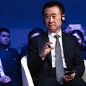 """<p class=""""Normal""""> <strong>8. Wang Jianlin: 14,8 tỷ USD<span> </span></strong></p> <p class=""""Normal""""> Wang Jianlin là người đứng đầu Dalian Wanda Group – tập đoàn đầu tư vào bất động sản, tài chính và rạp chiếu phim. Công ty này là một trong những nhà phát triển bất động sản thương mại lớn nhất thế giới với hơn 260 trung tâm thương mại tại Trung Quốc. (Ảnh: <em>Bloomberg</em>)</p>"""