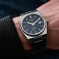 <p> <strong>2. Tissot</strong> là một trong số những thương hiệu đồng hồ sang trọng đến từ Thụy Sĩ được thành lập bởi nghệ nhân chế tác đồng hồ Charles-Felicien và con trai Charles-Emile Tissot vào năm 1853. Thương hiệu này giới thiệu những chiếc đồng hồ bỏ túi sản xuất lần đầu tiên với chức năng hiển thị hai múi giờ. Tissot có danh mục các sản phẩm khác nhau, từ cổ điển đến hiện đại và đa dạng về giá thành. Ảnh: <em>Monochromewatches.</em></p>