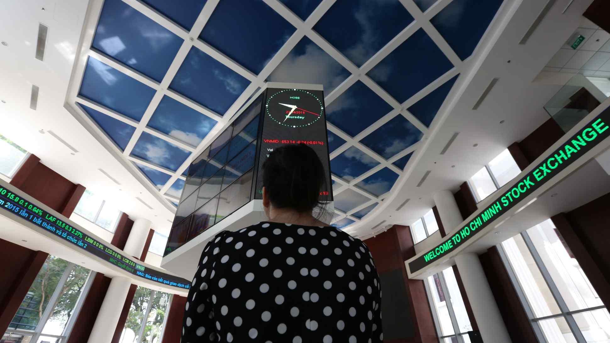 Báo Nhật Bản lý giải 'làn sóng F0' ở thị trường chứng khoán Việt Nam