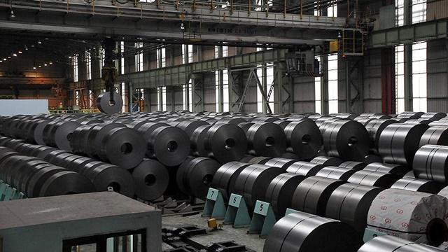 Lo ngại bị siết kiểm soát nguyên liệu thô, giá thép Trung Quốc lao dốc. Ảnh: AA.