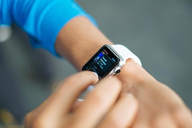 Đồng hồ thông minh được yêu thích nhờ sự phong phú về chức năng. Ảnh: Unsplash.Cuộc khủng hoảng của đồng hồ cơ