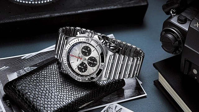 Nếu bảo quản đúng cách, đồng hồ cơ có thể được truyền tay qua nhiều đời. Ảnh: Email Tuna.