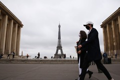 Covid-19 khiến Pháp thiệt hại hơn 500 tỷ USD trong 3 năm
