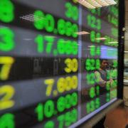 Nhận định thị trường ngày 15/4: 'Biến động mạnh'