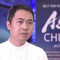 <p> Ông Steve Meng Yang thành lập công ty bán hàng Anker Innovations Technology vào năm 2011. Công ty của Yang kinh doanh các loại pin máy tính xách tay chất lượng cao, sau đó mở rộng sang các loại pin di động, bộ sạc tường và cáp thông minh. Yang sở hữu khối tài sản 4,2 tỷ USD. Ảnh: <em>YouTube.</em></p>