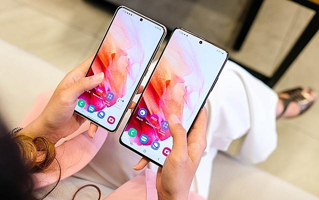 Galaxy S21 Ultra và S21+ là 2 mẫu smartphone giảm giá mạnh hiện nay.