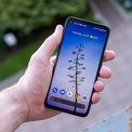 """<p class=""""Normal""""> <strong>Smartphone giá rẻ tốt nhất - Google Pixel 4a</strong></p> <p class=""""Normal""""> Pixel 4a có giá bán ở thị trường nước ngoài là 350 USD và chưa xuất hiện ở Việt Nam.</p> <p class=""""Normal""""> Với phần mềm do chính Google tối ưu, smartphone này thường xuyên được cập nhật Android mỗi khi có phiên bản mới nhất. Dù chỉ trang bị camera đơn, máy vẫn cho khả năng chụp ảnh đẹp trong tầm giá do được Google tối ưu.</p> <p class=""""Normal""""> Bên cạnh đó, Pixel 4a cũng có cấu hình ở mức ổn với màn hình OLED 5,8 inch, chip Snapdragon 730, RAM 6 GB và bộ nhớ trong 128 GB. Tuy nhiên, điểm trừ của máy là viên pin dung lượng chưa cao (3.140 mAh) và thiết kế vỏ nhựa.</p>"""