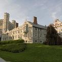 """<p class=""""Normal""""> <strong>9. (Đồng hạng) Đại học Princeton: 11 tỷ phú</strong></p> <p class=""""Normal""""> Địa điểm: Princeton, New Jersey</p> <p class=""""Normal""""> Tổng tài sản của các tỷ phú: 288,4 tỷ USD (Ảnh: <em>Getty Images</em>)</p>"""