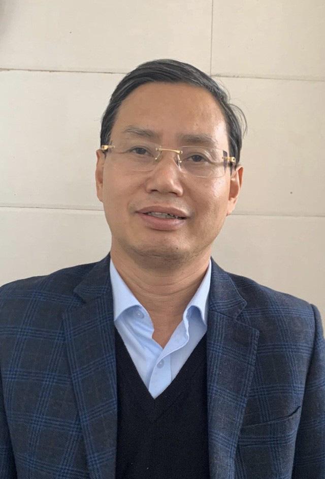 Ông Nguyễn Văn Tứ, Thành ủy viên, nhiệm kỳ 2015 - 2020, nguyên Chánh Văn phòng Thành ủy, nguyên Giám đốc Sở Kế hoạch và Đầu tư Hà Nội.