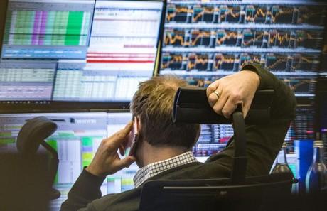 Khối ngoại vẫn bán ròng hơn 532 tỷ đồng trong phiên 16/4, VHM, HPG và VNM bị 'xả' mạnh