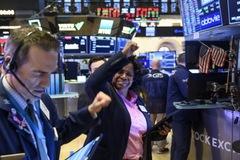 Phố Wall lập đỉnh lịch sử, Dow Jones lần đầu vượt 34.000 điểm