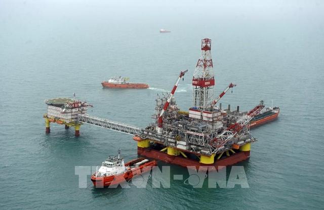 Giàn khoan dầu của Nga trên Biển Caspi. Ảnh: AFP/TTXVN