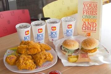 Miếng bánh fast food Việt: KFC lãi trăm tỷ mỗi năm, Lotteria thua lỗ triền miên dù cùng quy mô