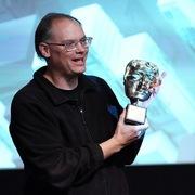 Tài sản của ông chủ game Fortnite tăng mạnh bất chấp cuộc chiến với Apple