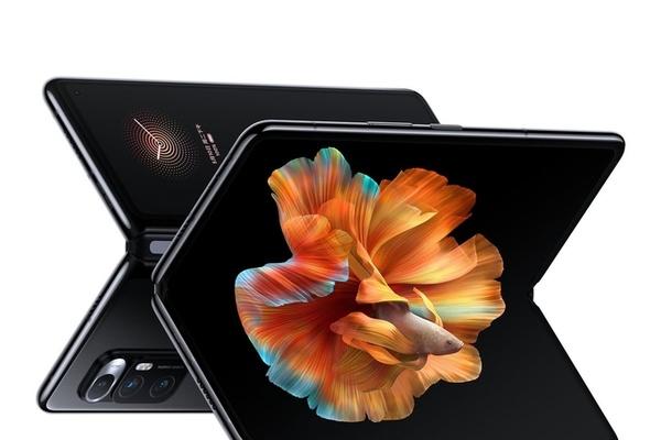 Smartphone gập của Xiaomi 'cháy hàng' sau một phút