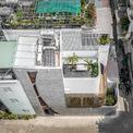 """<p> <span style=""""color:rgb(0,0,0);"""">Cuộc sống ở thành phố với nhiều áp lực về công việc, kẹt xe, chi phí sinh hoạt... Do đó, một ngôi nhà có nhiều không gian để giải tỏa áp lực là tiêu chí thiết kế của dự án này.</span></p>"""