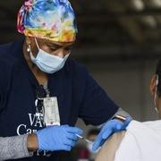 50% người trưởng thành Mỹ đã tiêm vaccine Covid-19