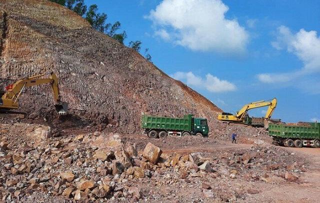 Thủ tướng nghiêm cấm trục lợi, nâng giá vật liệu làm cao tốc Bắc - Nam