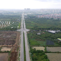 """<p class=""""Normal""""> Việc hoàn thiện hai tuyến đường sẽ giúp cải thiện hạ tầng giao thông huyện Gia Lâm, tiến tới thành lập quận vào năm 2025.</p> <p class=""""Normal""""> Theo lãnh đạo huyện Gia Lâm, trong 5 năm qua, huyện đầu tư khoảng 5.000 tỷ đồng để xây dựng 16 tuyến đường hạ tầng khung trên địa bàn, đến nay đã hoàn thành 8 tuyến.</p>"""