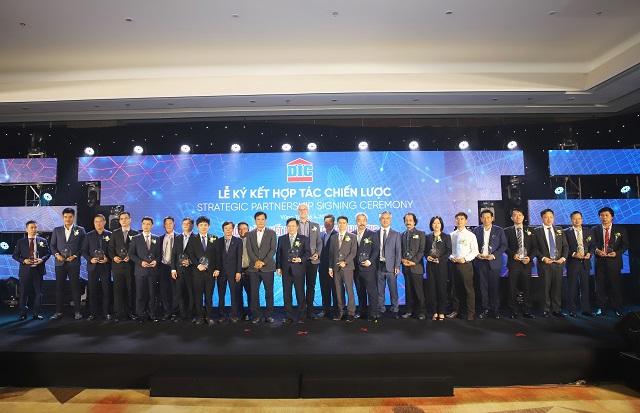 DIC Corp ký hợp tác toàn diện với 20 đối tác