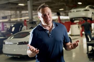 Elon Musk mất gần 6 tỷ USD sau vụ tai nạn xe Tesla