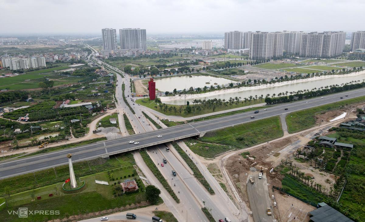 Hai tuyến đường 6 làn xe mới mở ở ngoại thành Hà Nội