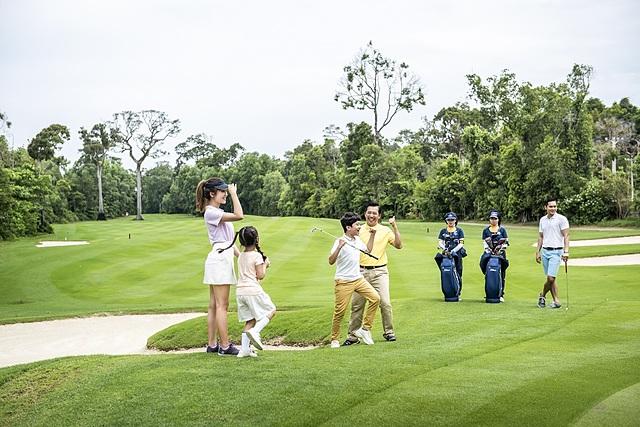 Vinpearl Golf được công nhận sân golf resort tốt nhất châu Á Thái Bình Dương.