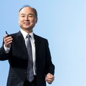 """<p class=""""Normal""""> <strong>1.<span> </span>Masayoshi Son: 44,4 tỷ USD</strong></p> <p class=""""Normal""""> Masayoshi Son thành lập và điều hành tập đoàn viễn thông và đầu tư SoftBank. Các nhà đầu tư vào quỹ Tầm nhìn của Son bao gồm Apple, Qualcomm, Foxconn… Quỹ này đã đầu tư vào hơn 100 công ty, bao gồm các kỳ lân Grab, Coupang, Paytm... (Ảnh: <em>Getty Images</em>).</p>"""