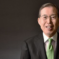 """<p class=""""Normal""""> <strong>5.<span> </span>Shigenobu Nagamori: 9 tỷ USD</strong></p> <p class=""""Normal""""> Shigenobu Nagamori là người sáng lập, chủ tịch kiêm giám đốc điều hành của nhà sản xuất động cơ Nidec. Nagamori từng tuyên bố rằng mục tiêu của ông là đạt doanh thu 10 nghìn tỷ yên (91 tỷ USD) vào năm 2030, một phần bằng cách tập trung vào động cơ cho xe điện. (Ảnh: <em>Nidec</em>)</p>"""