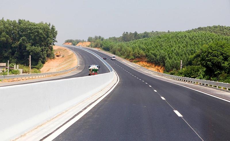 Hoàn thành xây dựng đường bộ cao tốc Bắc - Nam phía Đông vào 2025