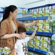 Vinamilk dẫn đầu ngành hàng sữa nước nhiều năm liền