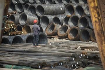 Giá thép tại Trung Quốc lập kỷ lục mới, liên tục không có hàng dự trữ