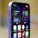 <p> Bổ sung màu mới sau khi ra mắt cũng là chiến lược quen thuộc của một số hãng smartphone Android. Việc này giúp giữ nhiệt cho thị trường trong khi chờ model tiếp theo ra mắt. Bên cạnh đó, người dùng có thêm sự lựa chọn về màu sắc khi mua sắm. Ảnh: <em>Engadget.</em></p>