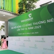 Họp ĐHCĐ Vietcombank: Trình phát hành cổ phiếu tỷ lệ hơn 27%, chào bán riêng lẻ 6,5% vốn
